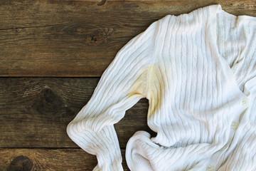 yellow sweat stains shirts
